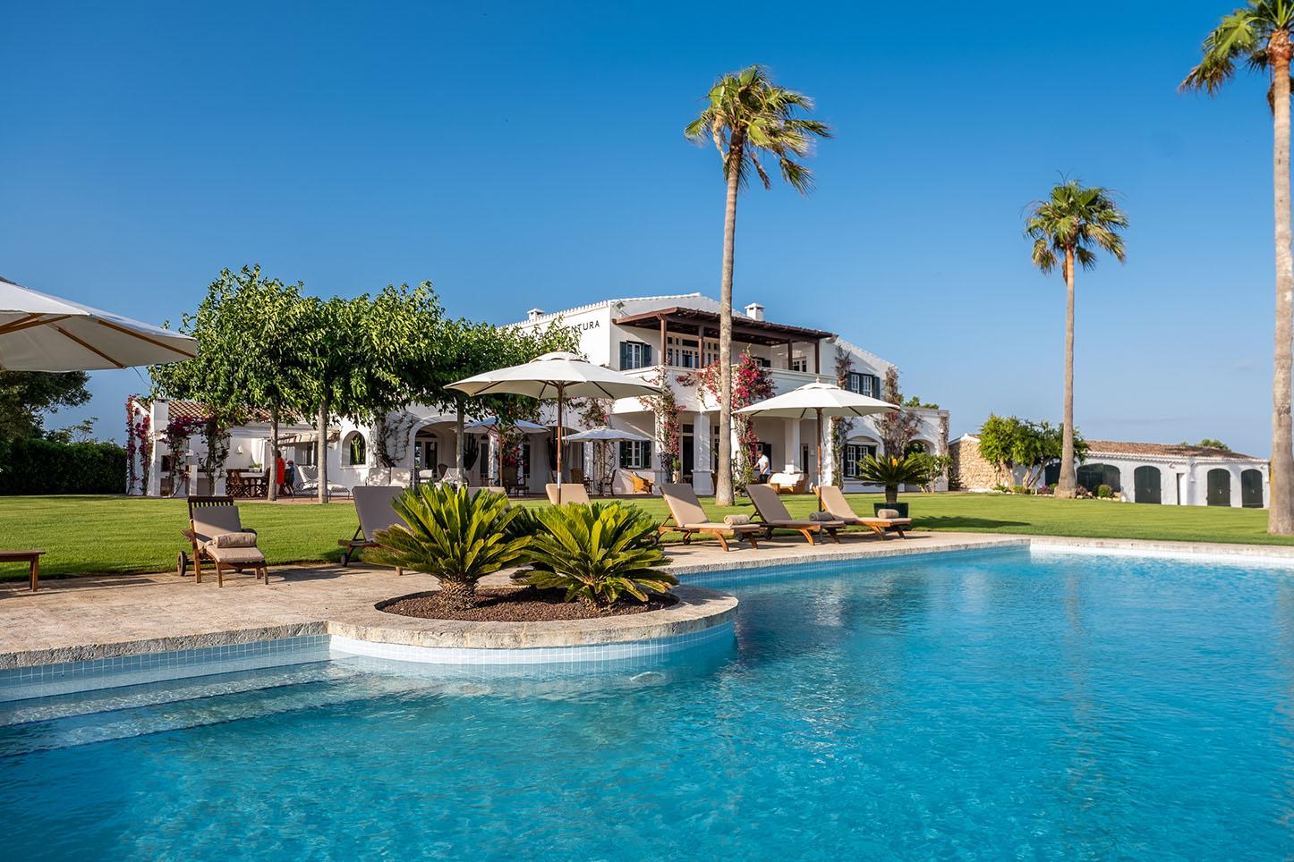 Villa ultra lussuosa in affitto a minorca. Gli ospiti del passato includono Michelle Obama.